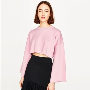 Cropped Sweatshirt with Wide Sleeves